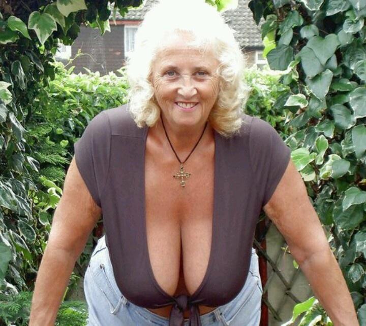 Sagging Granny Tits 40