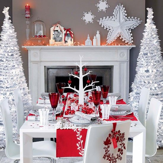Winter wonderland dining room at Christmas Dining Table Decorations