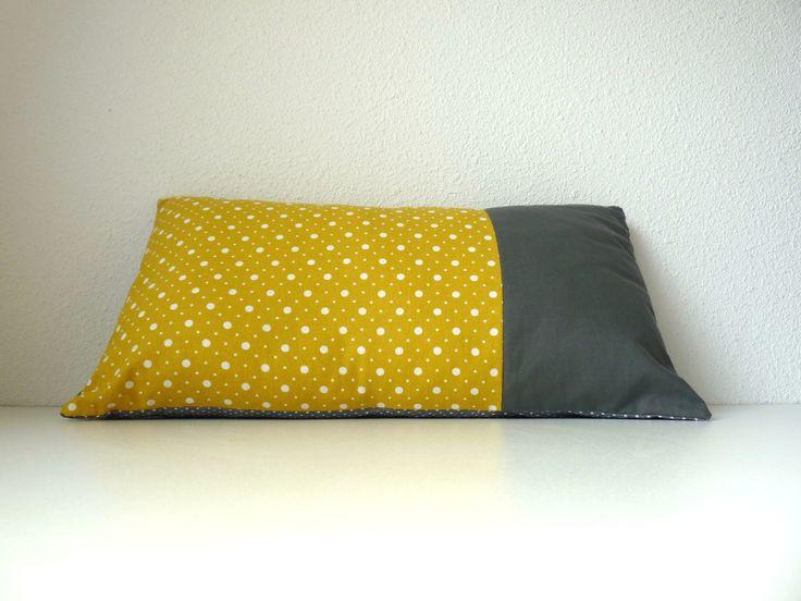 1000 id es sur le th me mod le de pouf en crochet sur pinterest pouf en cro - Coussin jaune et gris ...