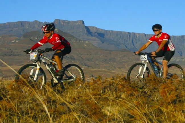 Mountain Biking in the Drakensberg, South Africa with All Out Adventures. #dirtyboots #mountainbiking #drakensberg