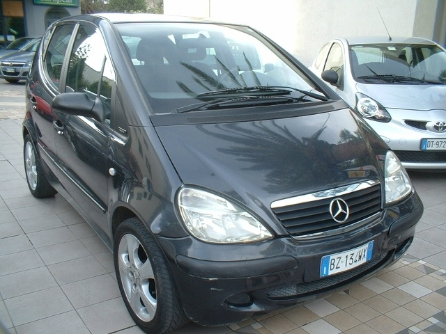 My first baby <3 Mercedes A140 60kW 2000y.