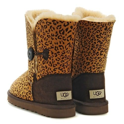 Leopard Uggs... Yeah Im leopard obsessed!