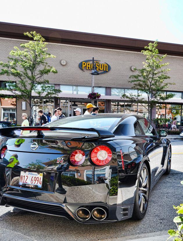 Nissan GTR vroooooom!!!!!!!!!