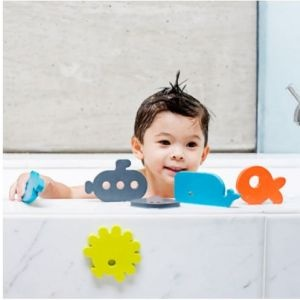 Boon Dive Bath Appliques, fish out of water! To turn your tub into a deep sea adventure, just get these appliqués wet!