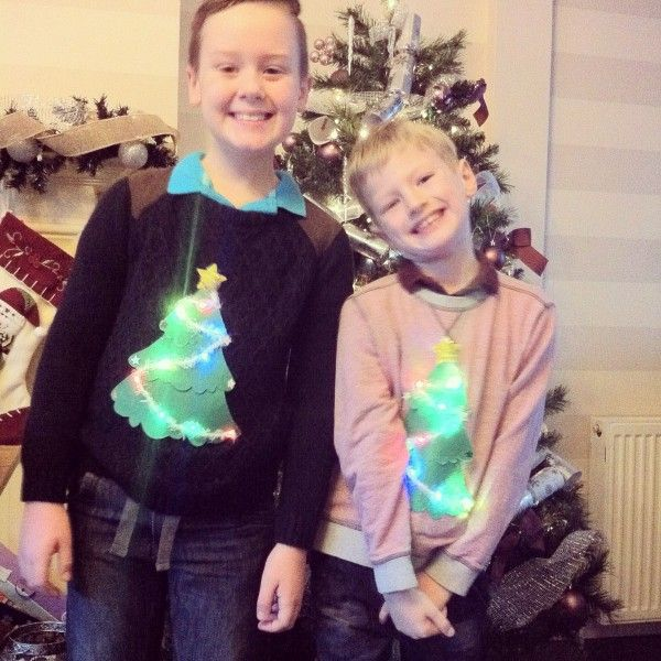 How cool are these?! Instead of buying pre made Xmas jumpers, you can make one yourself!!! With lights and everything! PIN NOW