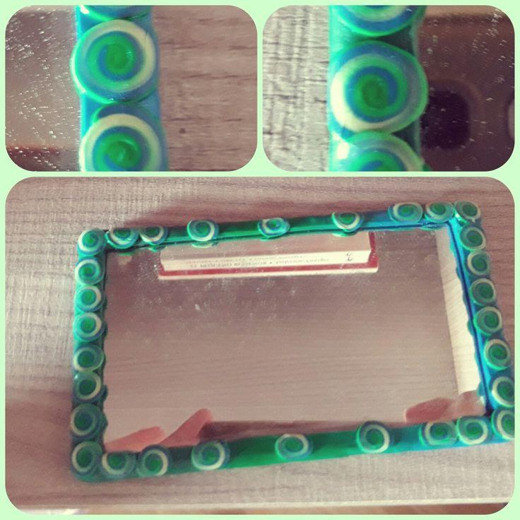 Specchio #salerenacrea #salerena #handmade #hechoamano #fattoamano #artigianale #artesanal #pastepolimeriche #polimerclay #arcillapolimerica #fimo #premo #bisuteria #jewelry #gioielli #bigiotteria #murrina #millefioricane #modellare #creazioni #creations #passion #art #freshpassion #youngartist #moda #accessori #accesorios #abalorios #monili #oggettistica #specchio #espejo #mirror #portatile #blue #green #blu #verde