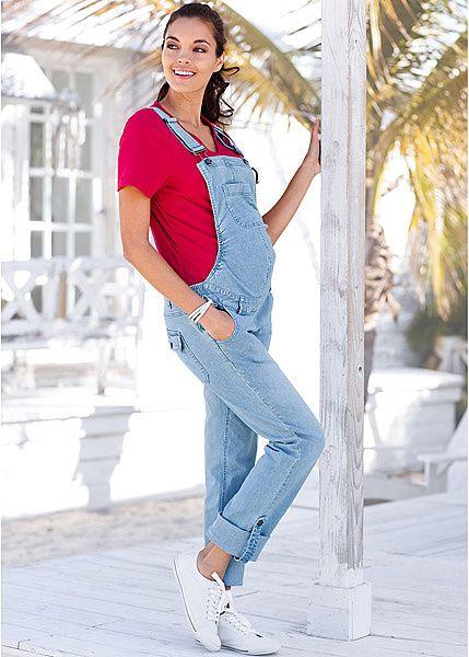 Для беременных женщин сегодня существует целая индустрия моды👍. 🔅Модельеры предлагают фасоны разных стилей. В правильных моделях для беременных предусмотрены специальные вытачки, пояски, застежки, которые учитывают изменение объема. Это так называемая одежда на вырост. Носят ее в период, когда обычное платье, юбка становятся тесноваты. Такую одежду вполне можно носить и после беременности, во время периода восстановления. 🔅Покрой, одежды для беременных учитывает анатомические особенности…