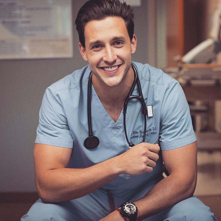 "Dr. Mike su Instagram: ""It's scary when you have to choose what to do for the rest of your life  But whatever you do choose, do it well, do it passionately, and success is sure to follow  #passion #medicine"""