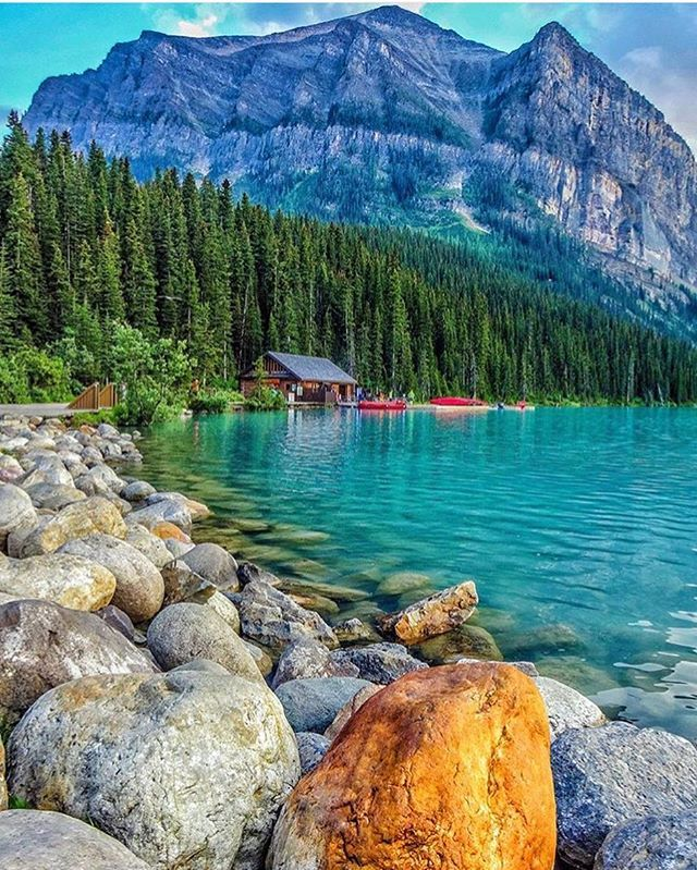 Lake Louise, Banff National Park - Alberta, Canada | Photo by © @cbezerraphotos - #OurPlanetDaily