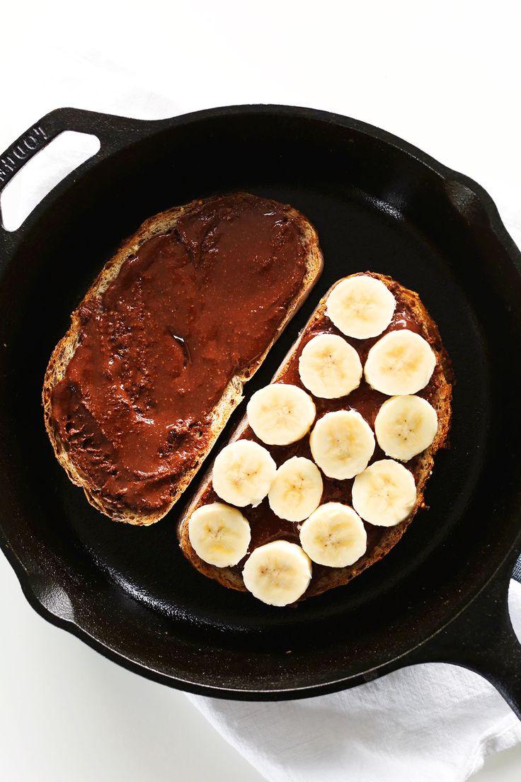 AMAZING 4 Ingredient Grilled Banana Nutella Sandwich! Entirely vegan, so crispy and SO delicious. #vegan #minimalistbaker