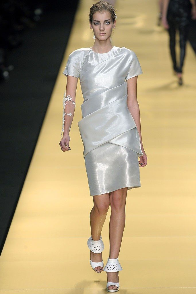 Karl Lagerfeld Spring 2009 Ready-to-Wear Collection Photos - Vogue