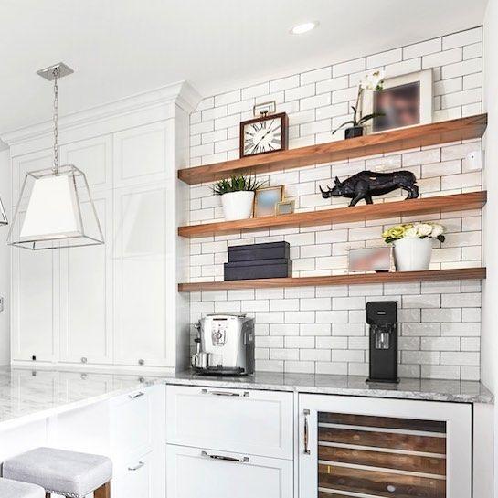 Lovely use of the Arte Bianco tile on this kitchen backsplash. Design and picture by @groupesprenourbaine • • #artetile #calgarydesign #iconstonetile #whitekitchen #yycdesign