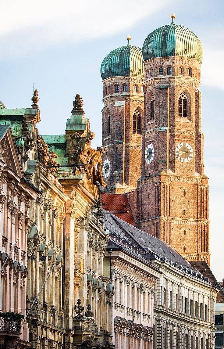 Frauenkirche in München  Frauenplatz 1 80331 München                                                                                                                                                                                 Mehr