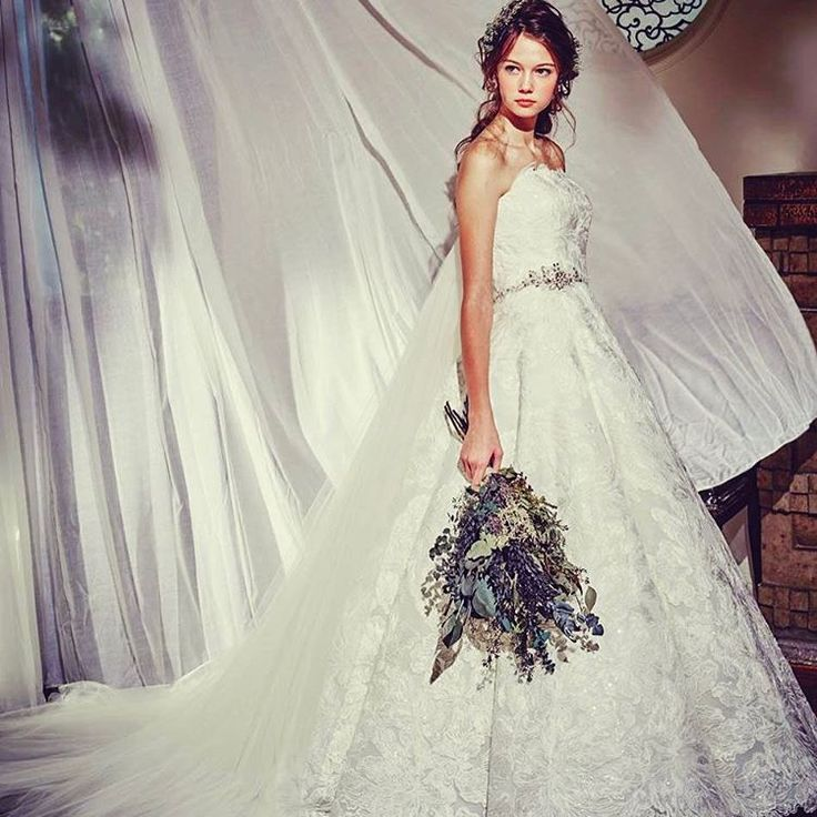 NEW DRESS!!まもなくリリースです^ ^ お楽しみに♩ #dress #bride #グレースコンチネンタル #日本中のプレ花嫁さんと繋がりたい #卒花嫁 #confetto #鈴鹿平安閣#weddingdress #new http://gelinshop.com/ipost/1518769780495135813/?code=BUTwRGOArRF