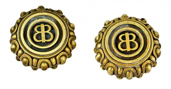 Antique doorknobs with BB initials - B Brothers!  If there is a good spot in the boys' room for this - adorable!