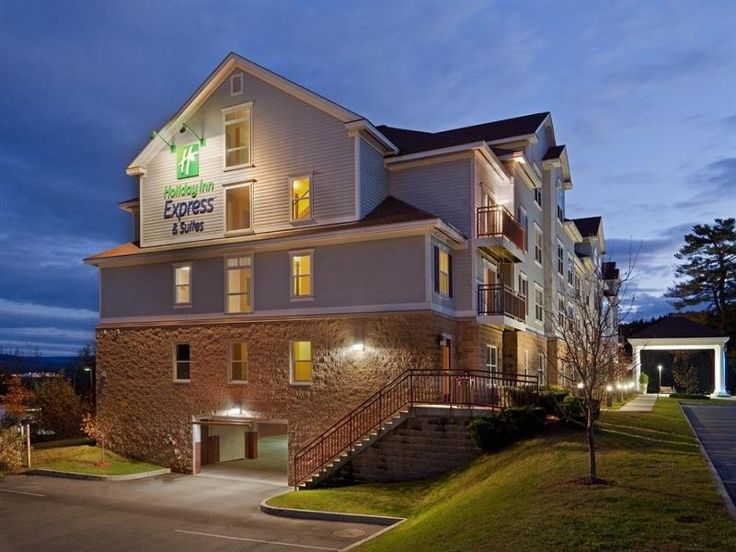 White River Junction (VT) Holiday Inn Express Hotel & Suites White River Junction United States, North America The 2-star Holiday Inn Express Hotel & Suites White River Jun offers comfort and convenience whether you're on business or holiday in White River Junction (VT). The property features a wide range of facilities to make your stay a pleasant experience. Service-minded staff will welcome and guide you at the Holiday Inn Express Hotel & Suites White River Jun. Designed for...