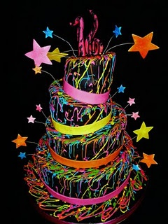 YES! glow in the dark themed sweet 16 cake. maybe I should have a rave themed sweet 16.... hmmm :)
