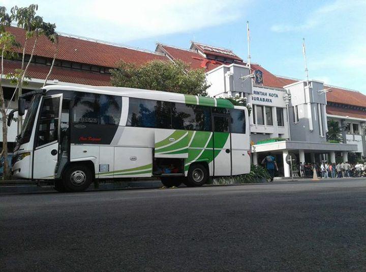 Sewa Bus Solo Ke Surabaya Harga  Murah Telp. 082243439356 Mita Transport