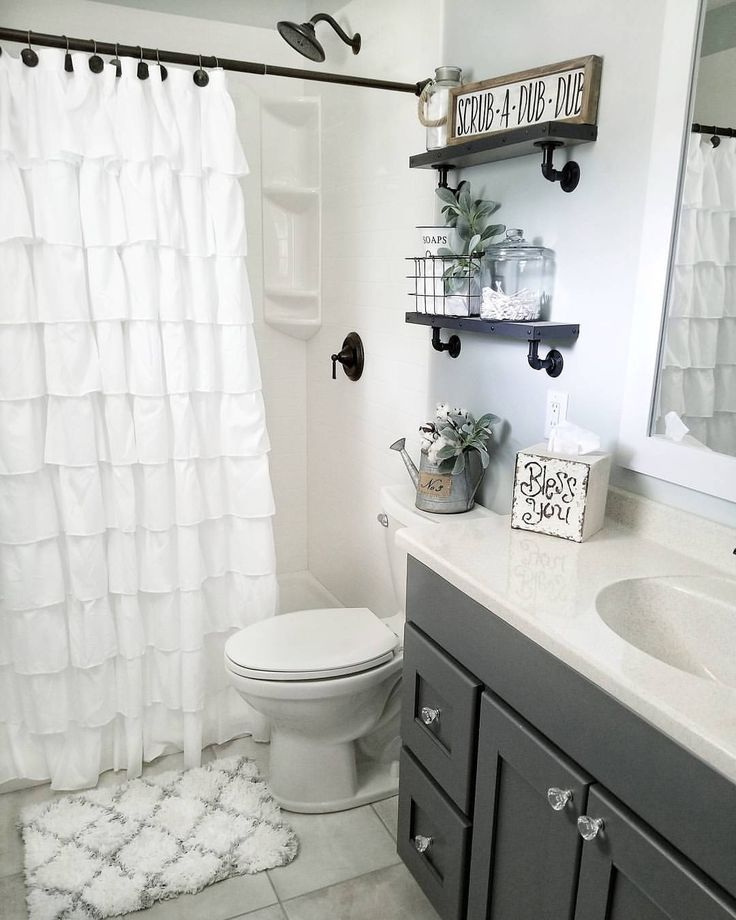 Joanna And Chip Gaines Help A Couple From Austin Who Are Relocating To Waco Update A Sma Small Farmhouse Bathroom Farmhouse Master Bathroom Bathrooms Remodel