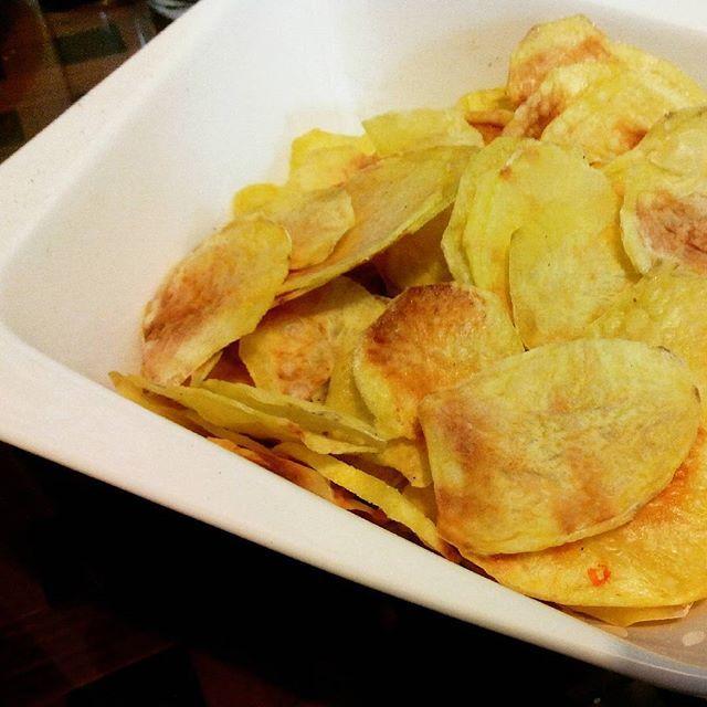 Chips de pomme de terre maison avec la machine chips de chez mastrad super bons - Machine a chips maison ...