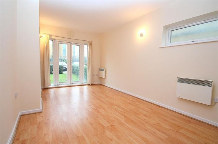 Sovereign Heights, Langley £995 PCM Freehold  Walking through the front door is the hall with wooden flooring that links this comfortable two bedroom #flat. To the left is the master bedroom, with #carpet flooring and spacious built in wardrobe as well as an en-suite comprising of a box shower, sink and WC. Moving on is the second bedroom, a good sized single also with carpet flooring.