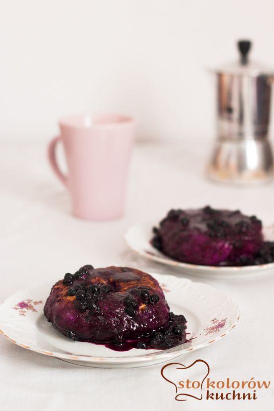 sto kolorów kuchni: Pączki śniadaniowe w sosie jagodowym / breakfast donuts