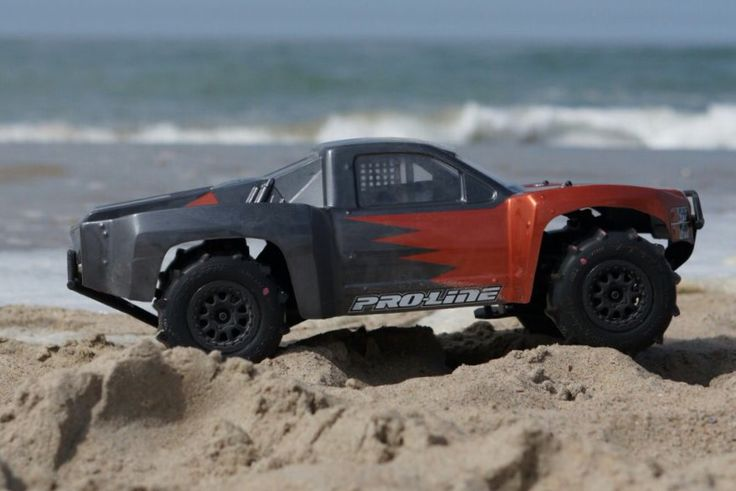 Traxxas Slash 4x4 VXL  Proline 09 Silverado Body Proline Slingshot tires