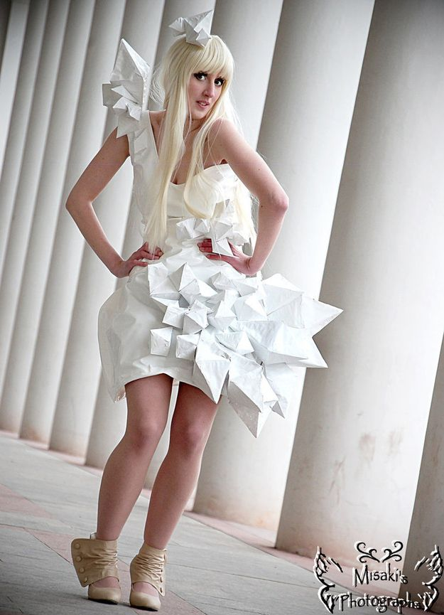 Superior DIY Lady Gaga costume! | 12 DIY Costumes That Are Better Than Store-Bought Ones