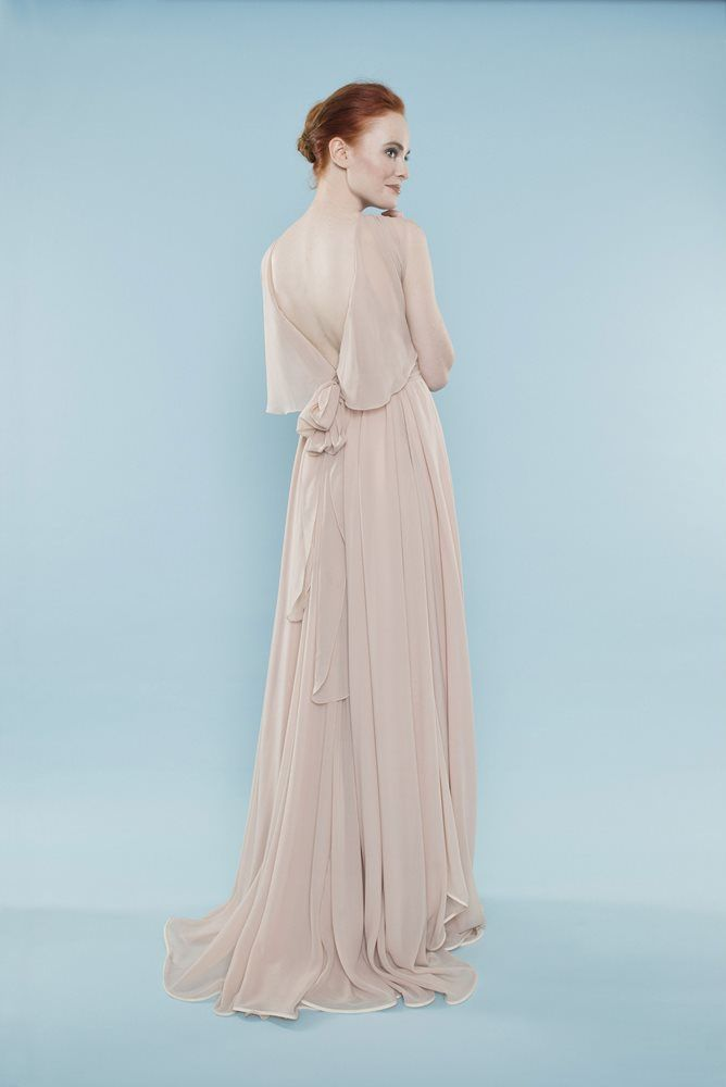 Look stunning on your wedding day in this elegant sheath gown. | Style Name: Juliette | Brand: Master/slave | Made to order |  #weddingdress #bridalgown #gownbridal #weddinggown #bridaldress #wedding #sheath