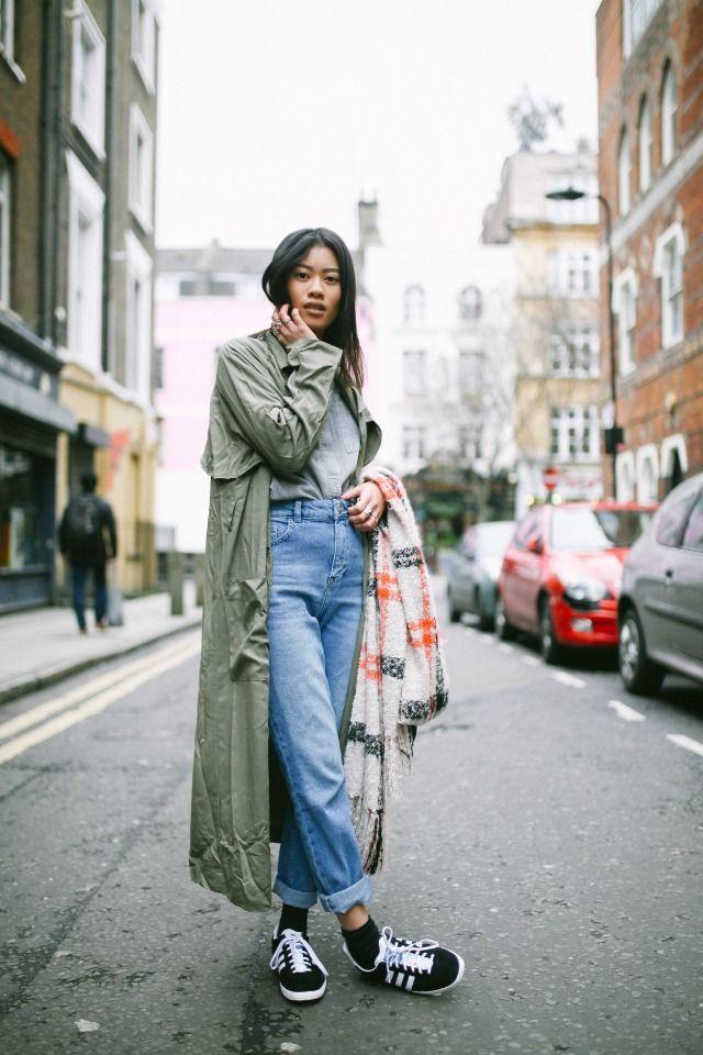 Green Trench Coat, Jeans Street Style, Vans #Rock…