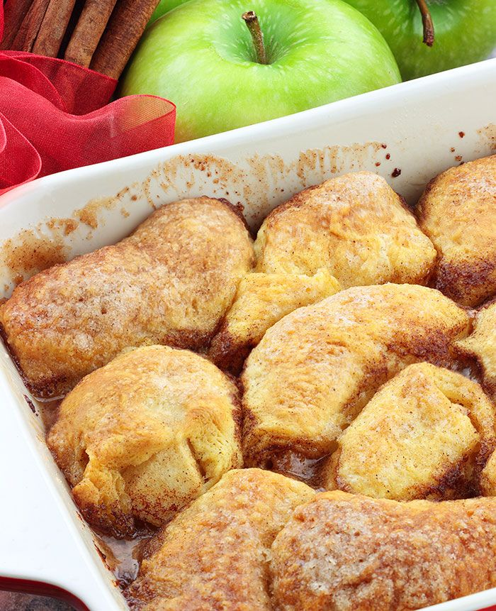 Ingredients: 2 granny smith apples 2 cans crescent rolls 2 sticks butter 1 cup white sugar 1⁄2 cup brown sugar 1 teaspoon vanilla 1⁄2 teaspoon cinnamon 1 mini can of sprite or mountain dew Directions: Peel and core apples. Cut apples into 8 slices each. Sprinkle a little cinnamon over apples. Roll each apple slice …