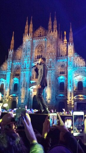 MARCO MENGONI AT World stage #MTVEMA IN MILAN