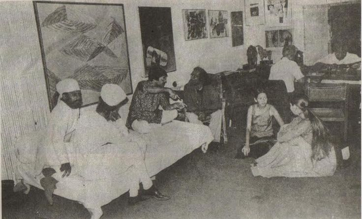 :: DHOOMIMAL - India's Oldest Gallery ::