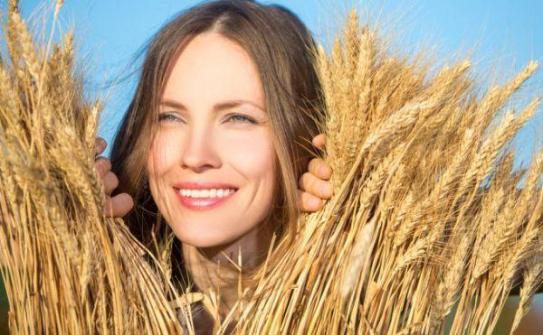 Uleiul care redă strălucirea părului uscat şi degradat | Unica.ro