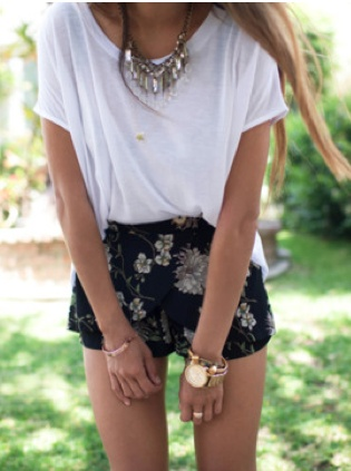 floral shorts, white T, necklace