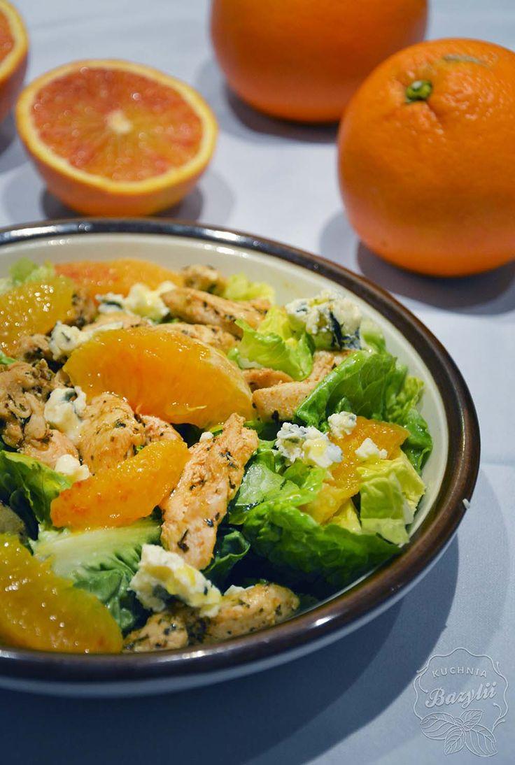 Sałatka z kurczakiem, pomarańczami i serem pleśniowym | Kuchnia Bazylii
