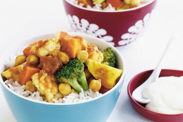 This healthy vegetarian curry recipe requires a slow cooker.