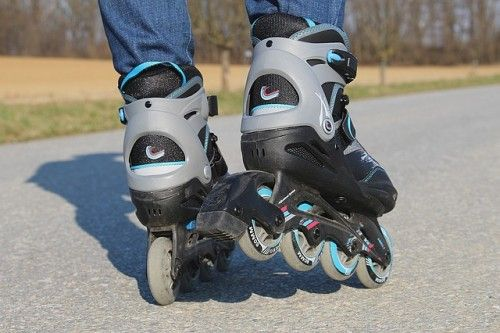 Inline Skating : 15 Ways You Can Exercise Outdoors This Summer   TOAT