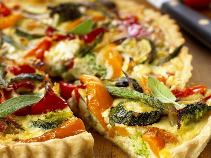Vegetarische Quiche - smarter - Zeit: 40 Min.   http://eatsmarter.de/rezepte/vegetarische-quiche