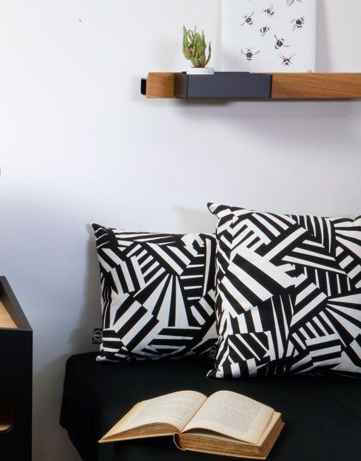 Cojín de camuflaje Razzle Dazzle. DIHWEB.COM | Tienda de decoración online. Productos de diseño y decoración, accesorios para el hogar, muebles de comedor, salón, dormitorio y mobiliario de exterior