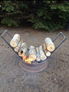 Self feeding firepit ! What an awesome idea !!!