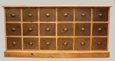 Saaristo-piironki 170x46x82,5, vanhaa puuta, laatikonpäät peltiä.
