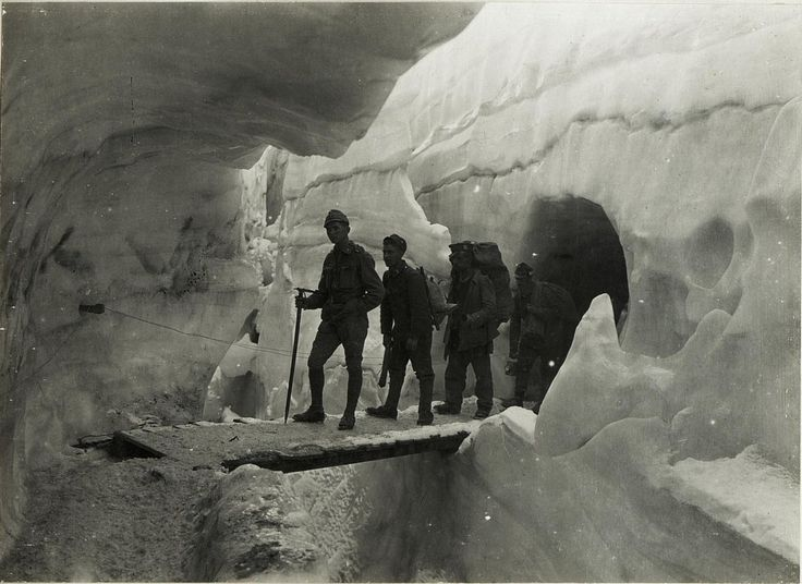 WWI, Austro-Hungarian troops inside the Marmolata glaciers, 1917. -The Great War (@WW1_Series) | Twitter