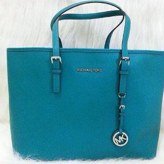 Michael Kors Handbags Nice mk #Handbags on http://mkbags.voiceador.org.uk/