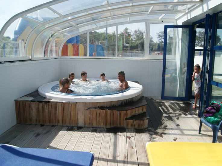 Les 25 meilleures id es de la cat gorie camping piscine for Camping ile de noirmoutier avec piscine couverte