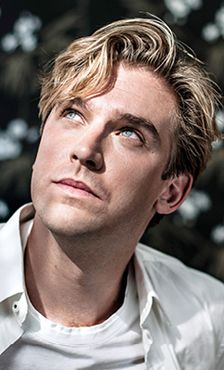 Edward - Young scientist, dedicated to discovering new species. Biologist. (Dan Stevens)