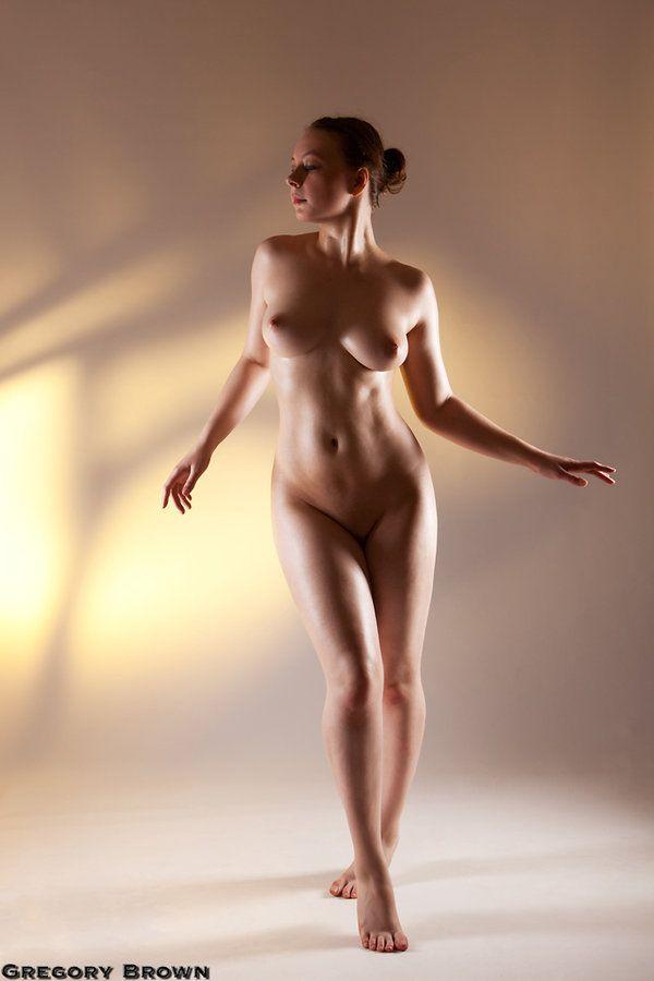 Big art class life naked posing smokin'. perfect