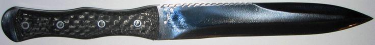 """commande client : FS SOLDEK lame de 19.5 cm forgée en D2 , plaquettes fibre de carbone photo prise par client Customer 's order FS SOLDEK blade of 7.5 """" forged in D2 , fiber carbon slabs customer's picture www.aufildelalame.fr"""