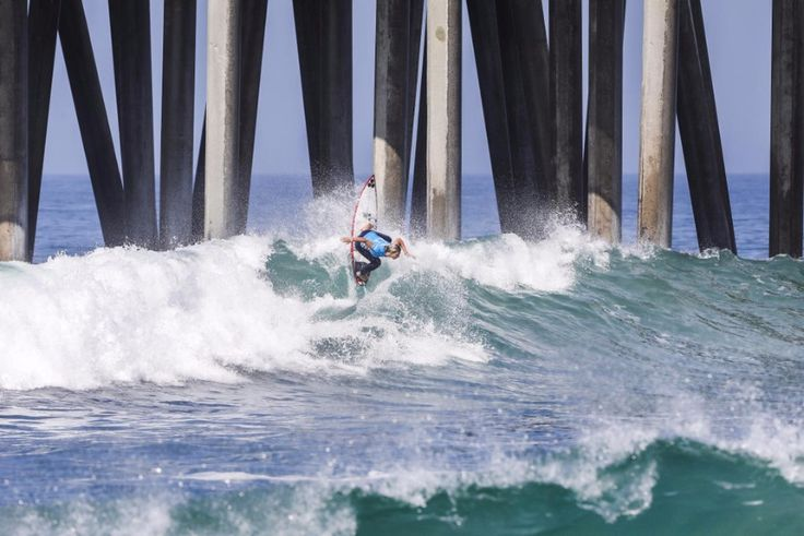 World Surf League: Vans US Open of Surfing Day 3, local heroes, Sage Erickson (USA) and Courtney Conlogue (USA) advanced to Semifinals.