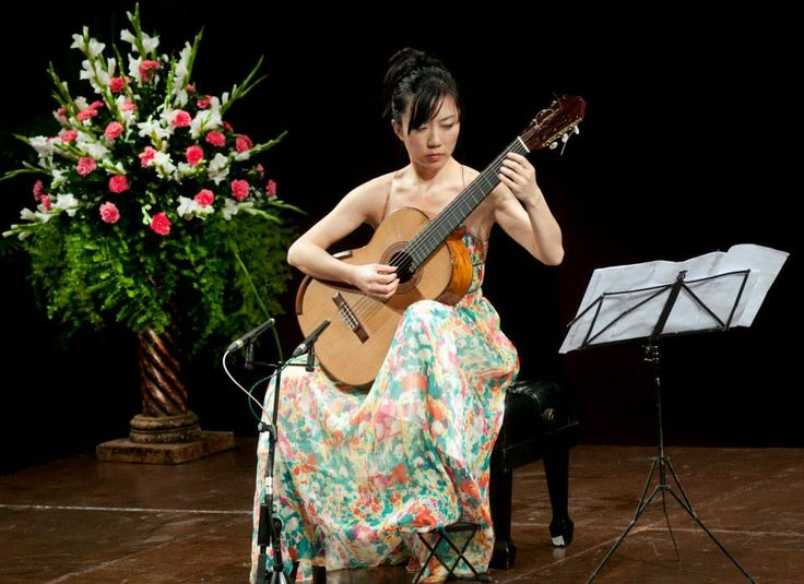 Xuefei Yang performs at the Experimental Theatre.